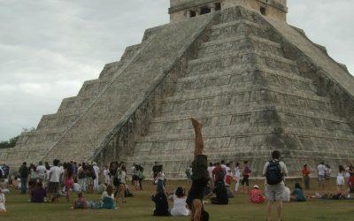 handstand Chichen Itza