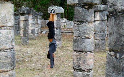 xelias-handstand-1