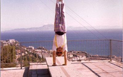 xelias-handstand-7