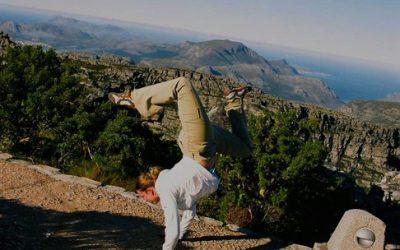xelias-handstand-9