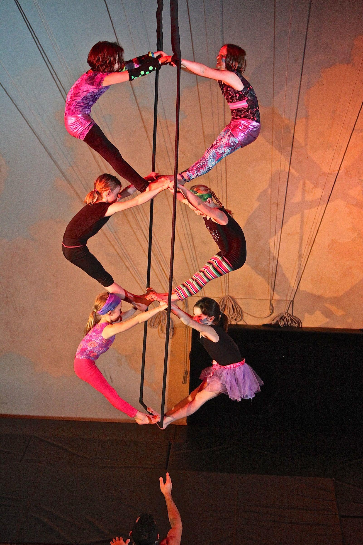 Students performing at Xelias Showcase